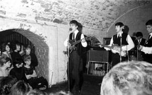 Beatles_cavern_clu_1821861a-xlarge_trans_NvBQzQNjv4Bqeo_i_u9APj8RuoebjoAHt0k9u7HhRJvuo-ZLenGRumA.jpg