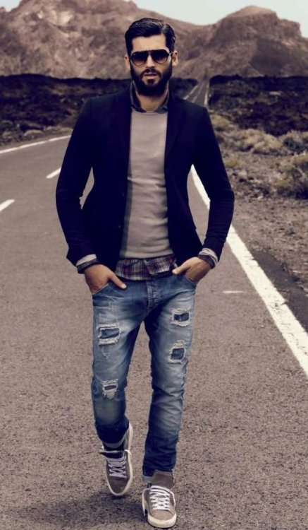 05-relaxed-look-with-distressed-denim-a-black-blazer-a-sweater-over-a-plaid-shirt-and-grey-sneakers[1].jpg